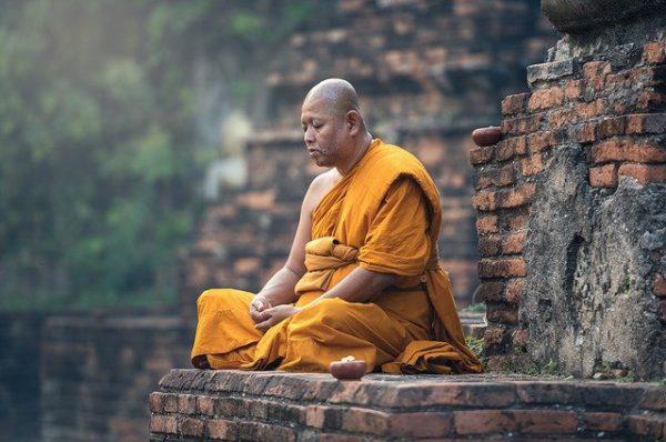 hoe mediteer je afbeelding van een boedistisch monnik
